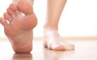 Онемение больших пальцев ног