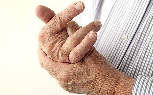 Появление сильных, порой непереносимых, болевых ощущений