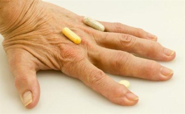 рука с капуслами