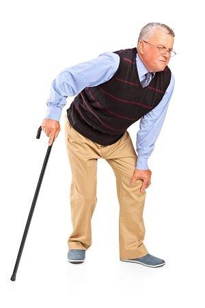 хромающий старик