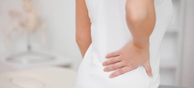 у женщины болит спина