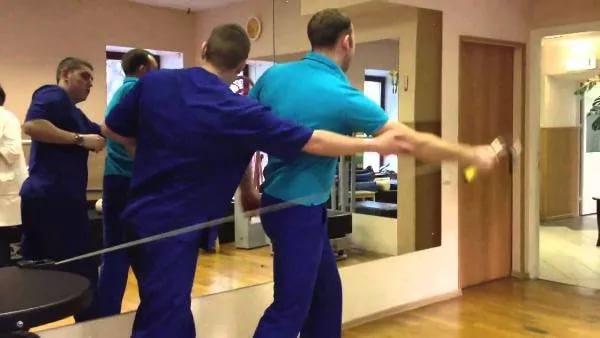 гимнастика плеча
