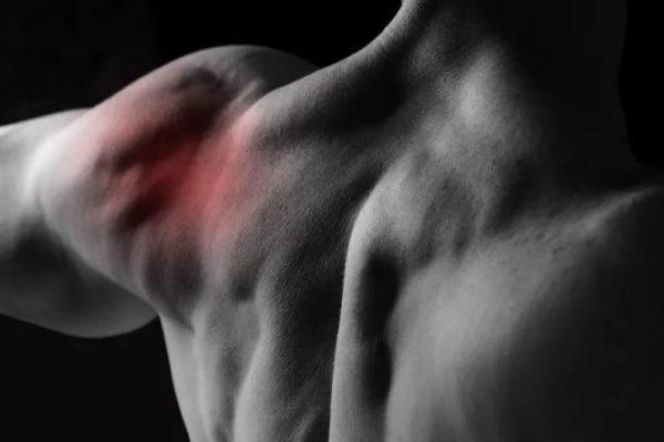 Плечевой сустав боль при поднятии руки верх причины лечение и профилактика