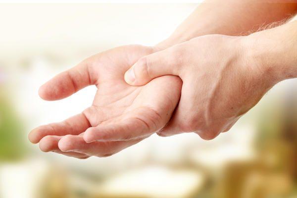 Причины появления болей в руках.Что делать, если болят руки