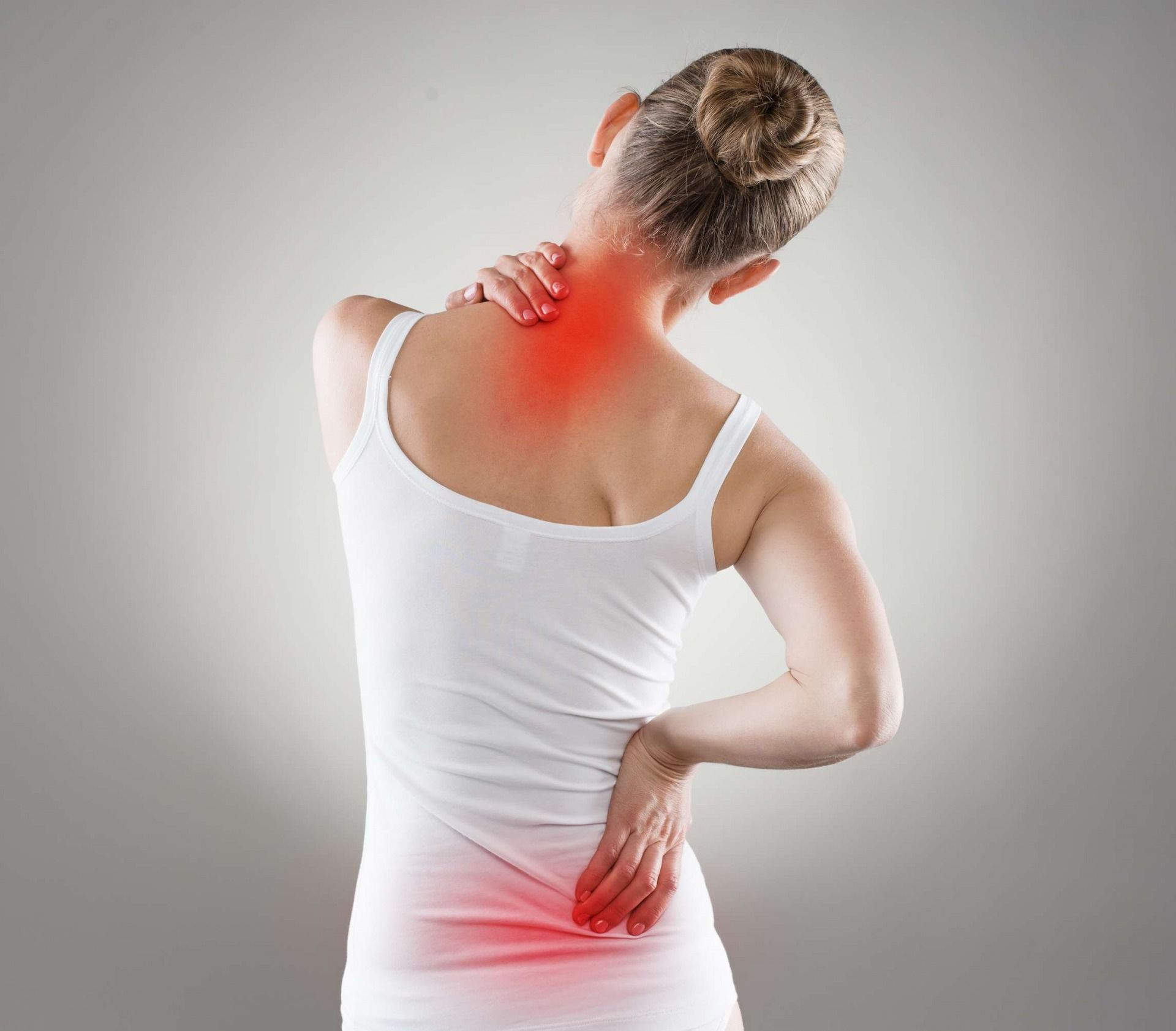 Боли в спине у женщин: причины, профилактика и упражнения