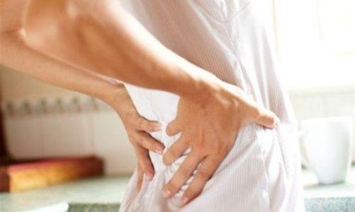 Болит спина