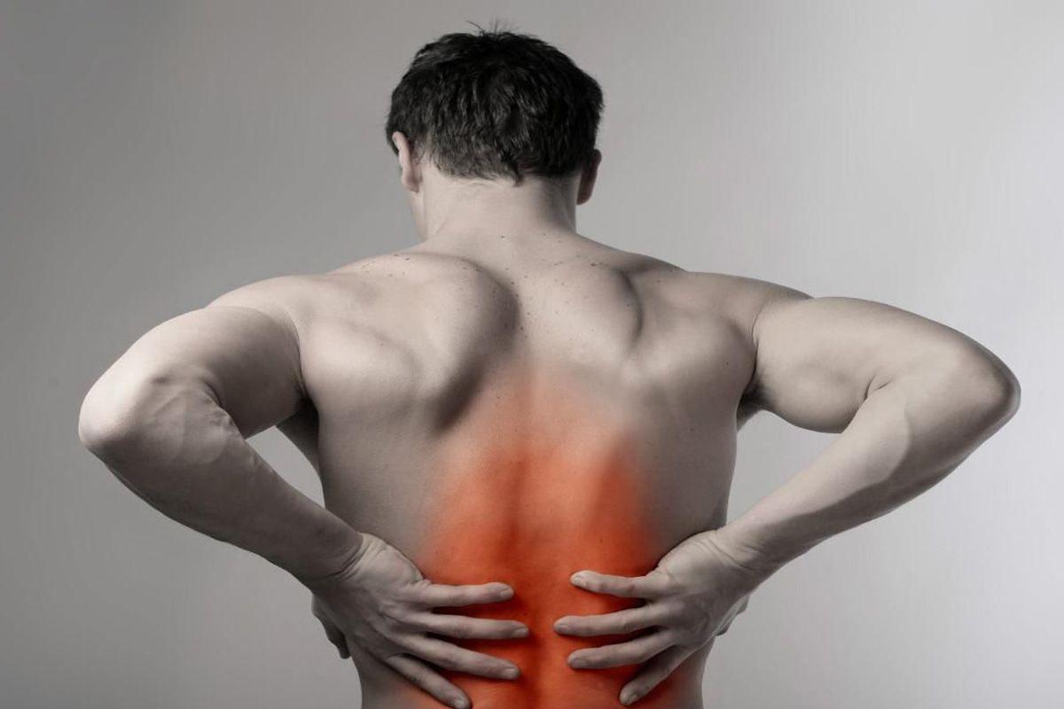 Что предпринять при боли в пояснице после поднятия тяжести? Заболела спина после поднятия тяжести? Убедитесь, что это единичный случай