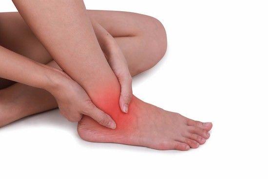 Легкое растяжение ноги