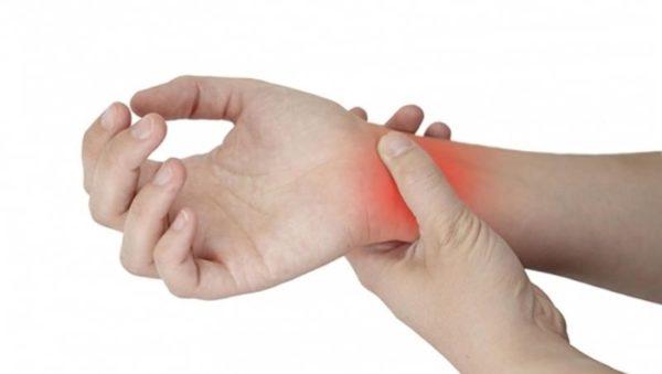 Причины и что делать при боли в запястье