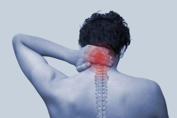 боль в шее при наклоне головы вперед