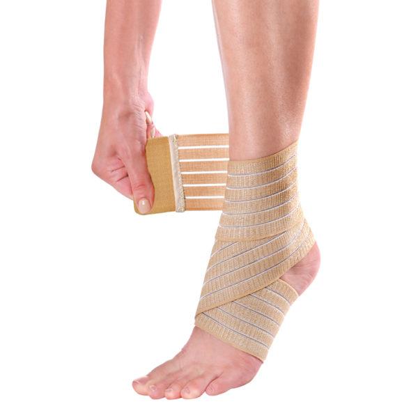 Как накладывается эластичный бинт на голеностопный сустав? Голеностопная повязка Какая повязка повреждении голеностопного сустава