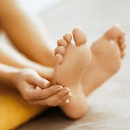 Боли в ногах при ходьбе причины к какому врачу обратиться