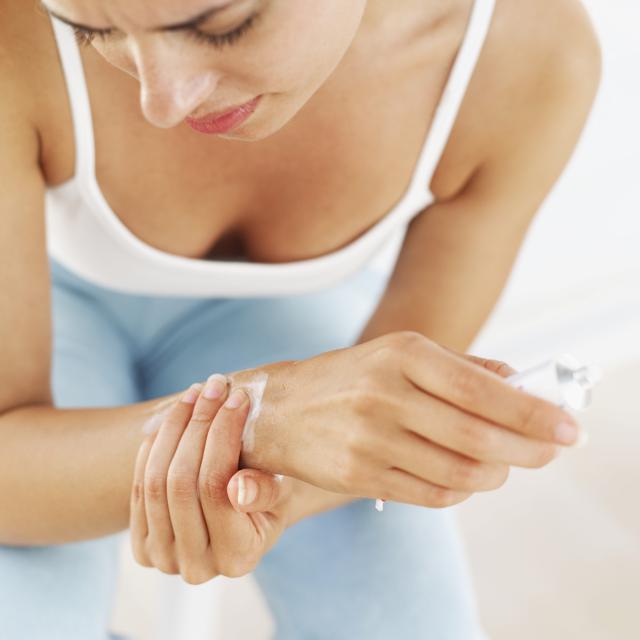 Стилоидит лучезапястного сустава причины симптомы и лечение